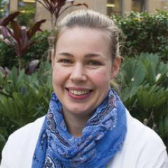 Dr Elizabeth Dun
